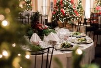 Noor-Sofia Ballroom Holiday Decor_4