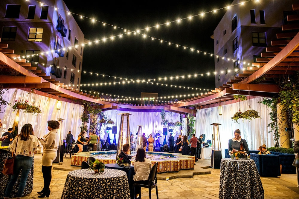 Wedding Show NOOR Terrace with Live Band and Pretty Lighting