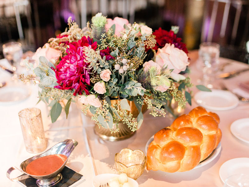 los angeles wedding centerpieces in gold pedestal bowls